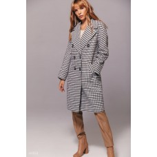 Double-breasted coat in houndstooth print
